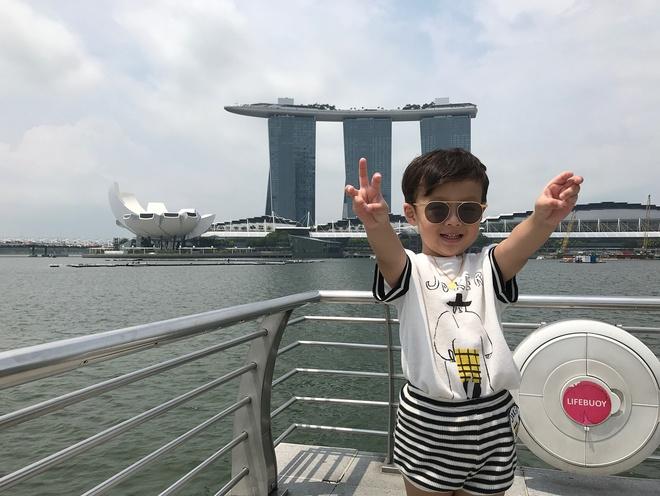 Lam thu tuc the nao de dua con di du lich Singapore? hinh anh