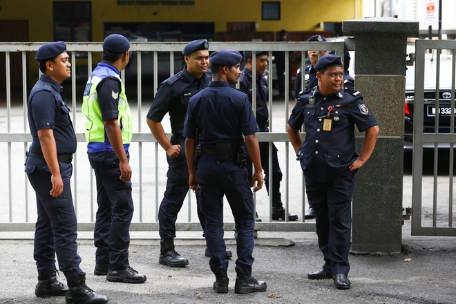 Xu ly the nao neu gap nguy hiem khi co vu chung ket AFF o Malaysia? hinh anh 1