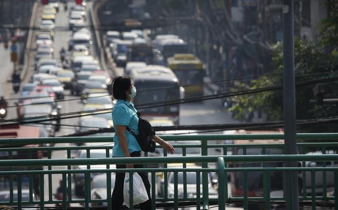 Khong khi o nhiem, du khach toi Bangkok can mang theo khau trang hinh anh 1