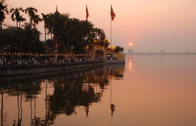 Ho Tay tho mong trong long Ha Noi hinh anh 8