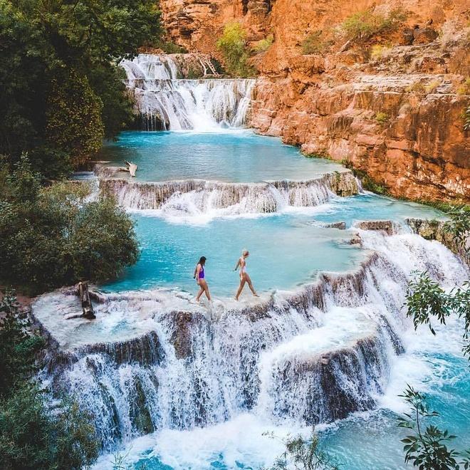 Những hồ bơi độc, lạ trên thế giới giúp bạn hòa cùng thiên nhiên - Ảnh 7