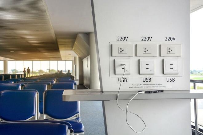Tai sao khong nen dung cong sac USB o san bay? hinh anh