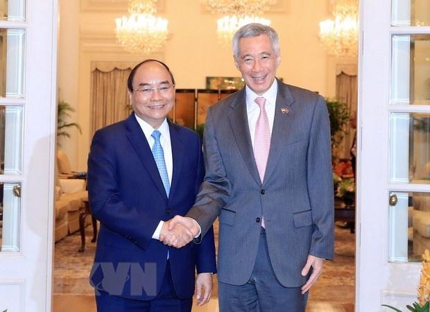 Thu tuong Nguyen Xuan Phuc hoi dam Thu tuong Singapore Ly Hien Long hinh anh