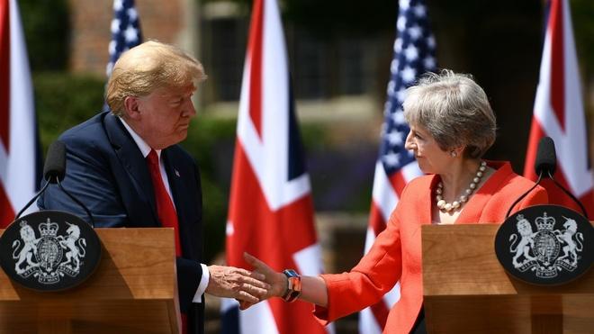9 khoanh khac noi bat trong chuyen tham Anh cua ong Trump hinh anh