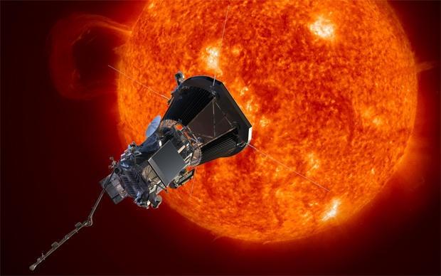 NASA dem nguoc toi gio phong tau vu tru dau tien cham toi Mat Troi hinh anh