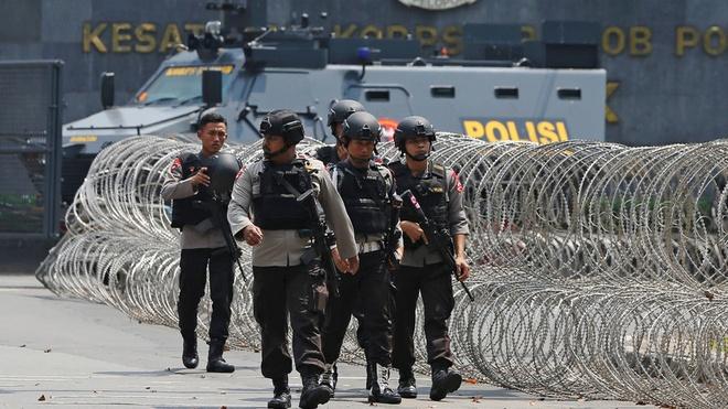 Indonesia lo thieu nha tu vi phan tu cuc doan gia tang hinh anh 2