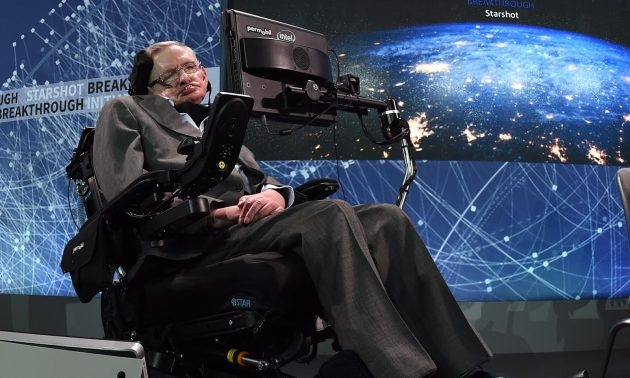 Luan van va xe lan cua Stephen Hawking sap duoc dau gia hinh anh