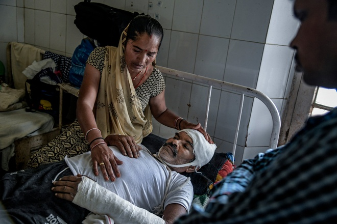 Phan biet dang cap o An Do: Nguoi Dalit bi danh dap, lot da dau hinh anh