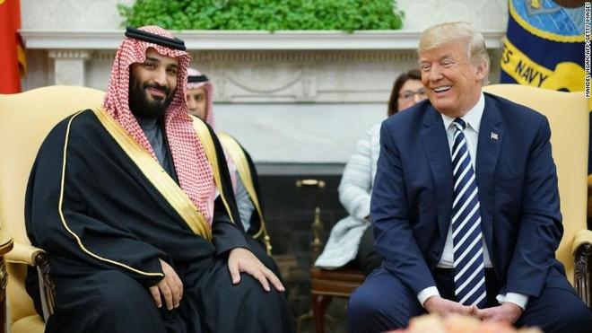 Trump tuyen bo dung ve phia Saudi Arabia bat chap vu nha bao bi giet hinh anh