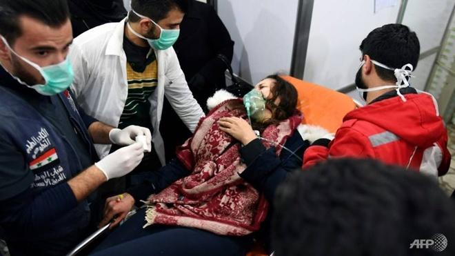 Tan cong hoa hoc tai Syria, 100 nguoi nhap vien hinh anh 2