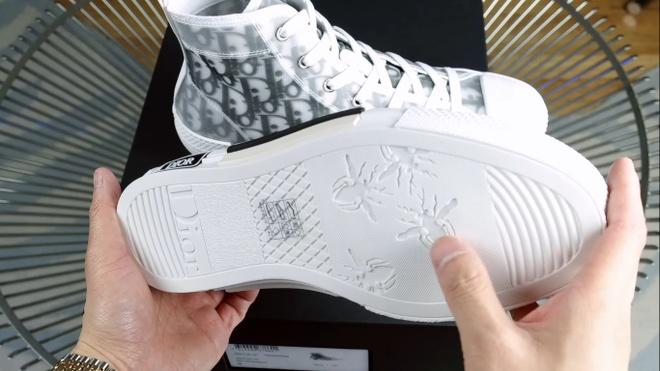 Dau la nhung doi giay sneakers noi bat nhat thang 1 nam 2019? hinh anh 14