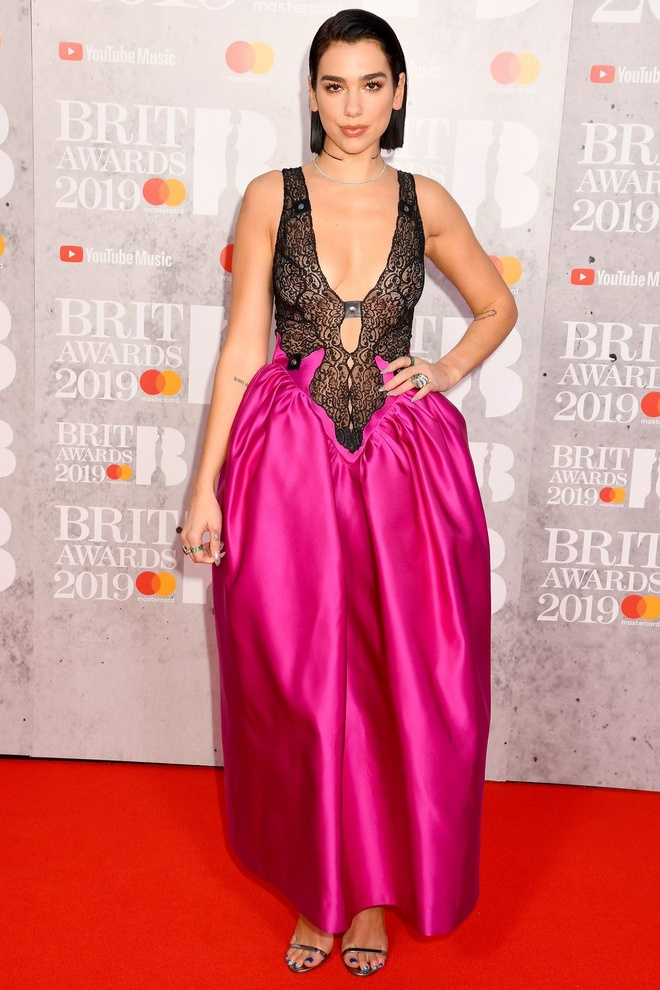 Dan sao hang dau Anh quoc quy tu tai le trao giai Brit Awards 2019 hinh anh 1