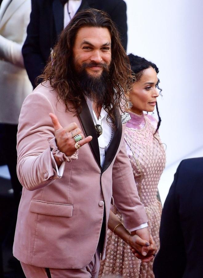 Aquaman sang tao ra xu huong thoi trang moi ngay tren tham do Oscar hinh anh 1