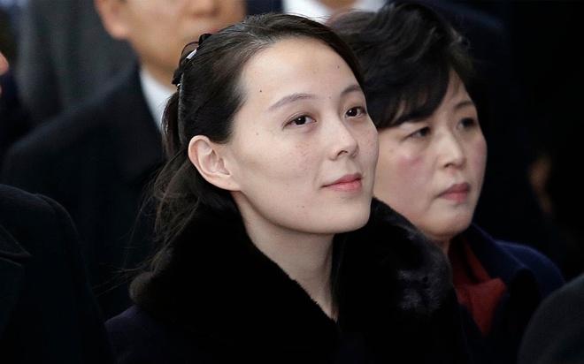 Net duyen tham va phong cach thoi trang gian di cua em gai Kim Jong Un hinh anh 4