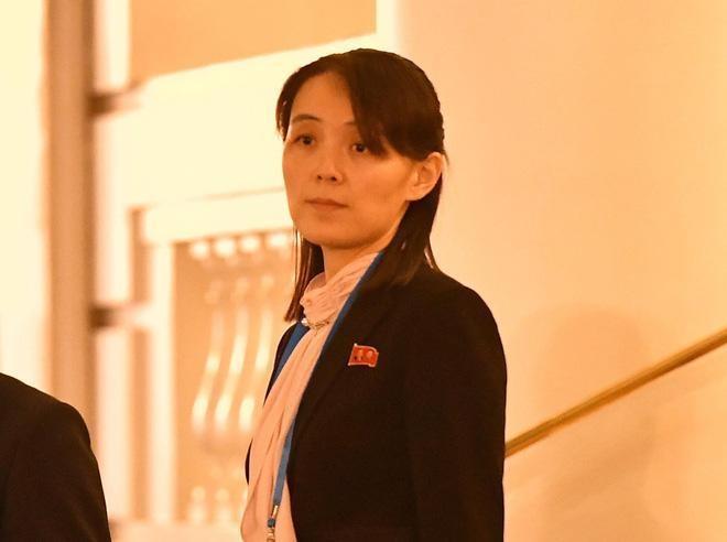 Net duyen tham va phong cach thoi trang gian di cua em gai Kim Jong Un hinh anh 9