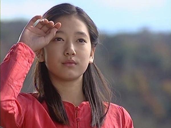 Park Shin Hye - tu mot co gai kem noi bat den ngoc nu thoi trang hinh anh 1