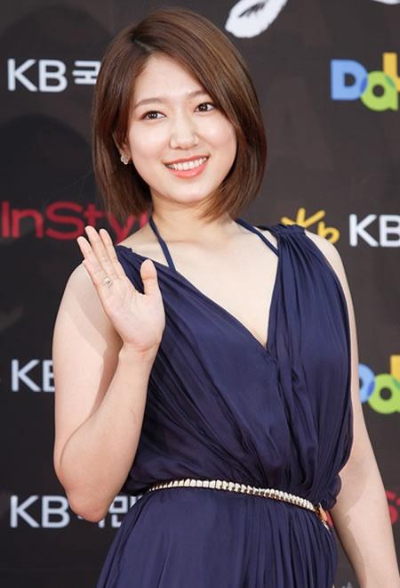 Park Shin Hye - tu mot co gai kem noi bat den ngoc nu thoi trang hinh anh 4