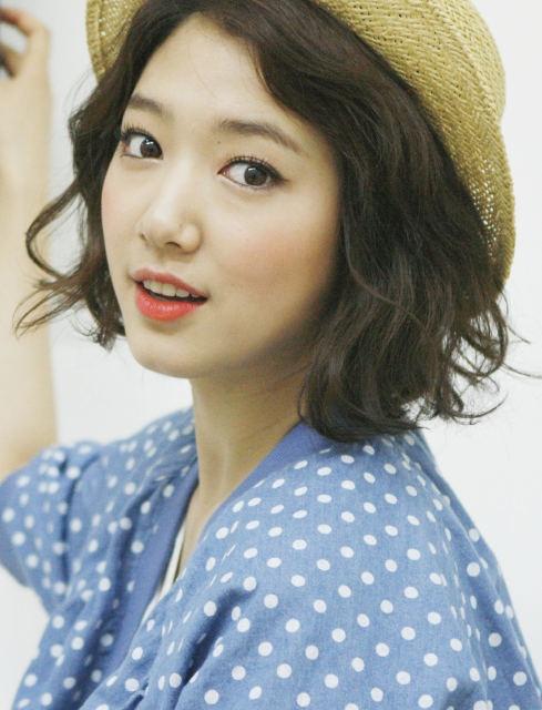 Park Shin Hye - tu mot co gai kem noi bat den ngoc nu thoi trang hinh anh 3