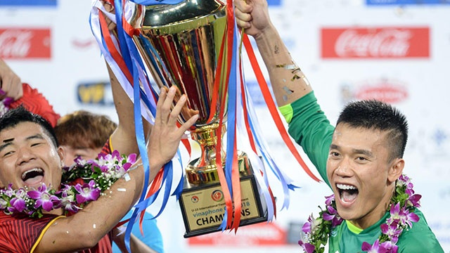 Hoa Uzbekistan 1-1, Olympic Viet Nam bat bai khi doat cup 'Tu hung' hinh anh