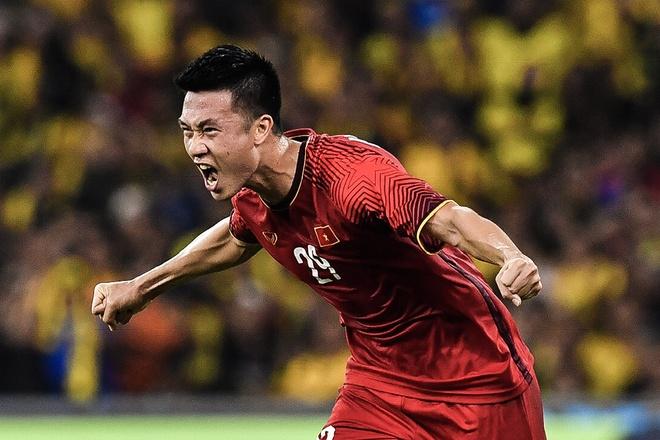Bàn mở tỷ số của Huy Hùng trong trận chung kết AFF Cup