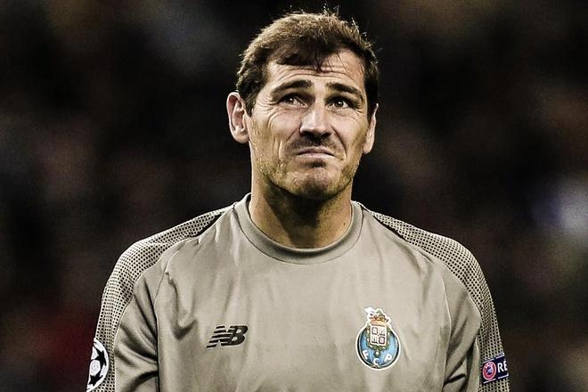 Cac cau thu dong huong Tay Ban Nha mong Casillas som tro lai hinh anh