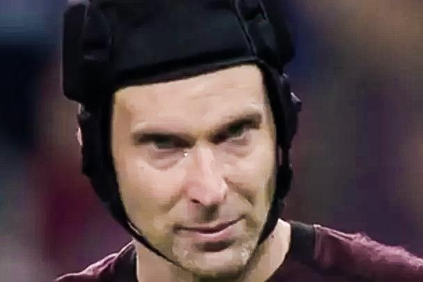 Petr Cech lac giong khi noi ve tran thua Chelsea hinh anh