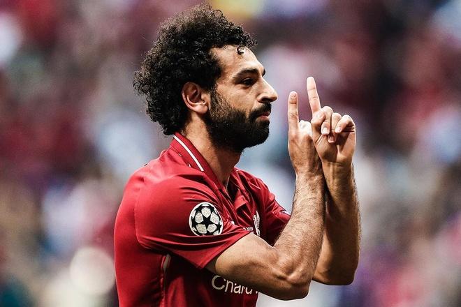Cu da 11 m cua Salah o chung ket Champions League nhin tu khan dai hinh anh