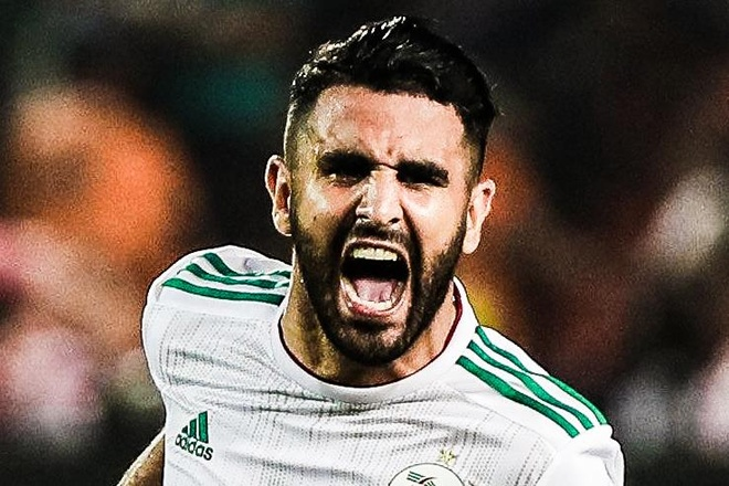 Mahrez sut phat o phut 90+5 dua Algeria vao chung ket cup chau Phi hinh anh
