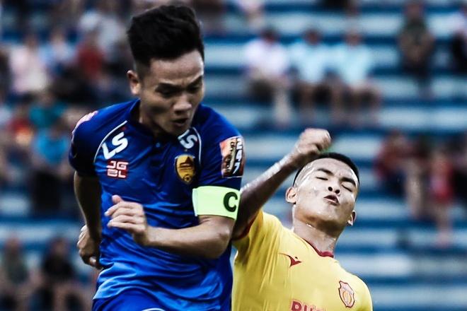 CLB Nam Dinh thua doi Quang Nam o phut bu gio hinh anh