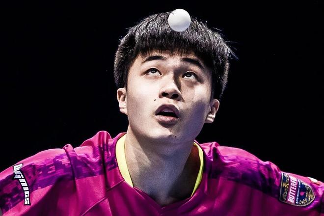 Tay vot 18 tuoi ha guc Ma Long va Fan Zhendong hinh anh