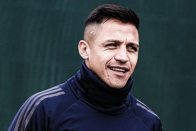 Alexis Sanchez duoc chao don nhu nguoi hung o Milan hinh anh