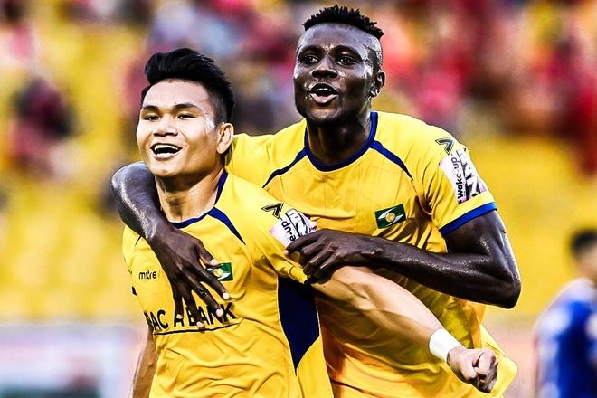 CLB Binh Duong thua SLNA 1-5 trong ngay vang Anh Duc hinh anh