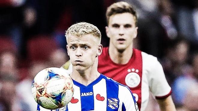 Đội mới của Văn Hậu thua đậm trước Ajax
