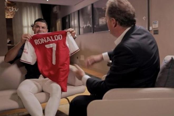 Ronaldo: 'Toi chi con mot buoc la den Arsenal' hinh anh