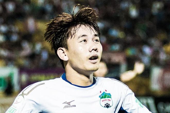 Hat-trick cua Minh Vuong truoc CLB Hai Phong hinh anh
