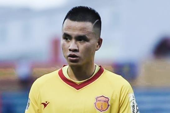 CLB Nam Dinh thua dam doi cuoi bang V.League hinh anh