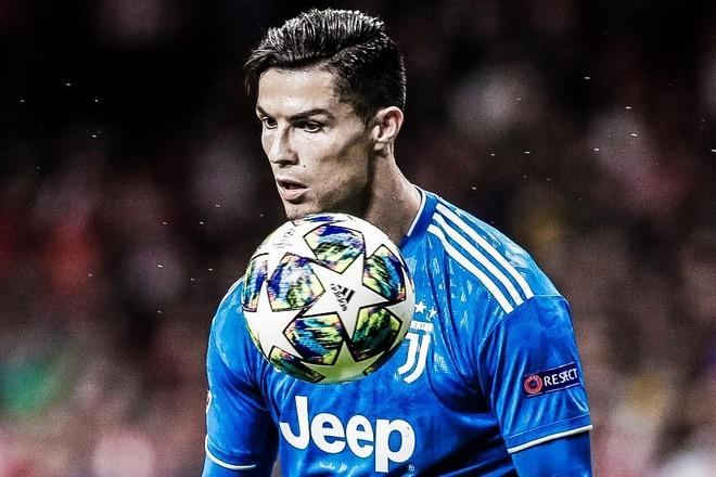 HLV Sarri: 'Ronaldo sut trung dich 3 lan truoc Atletico la tot roi' hinh anh