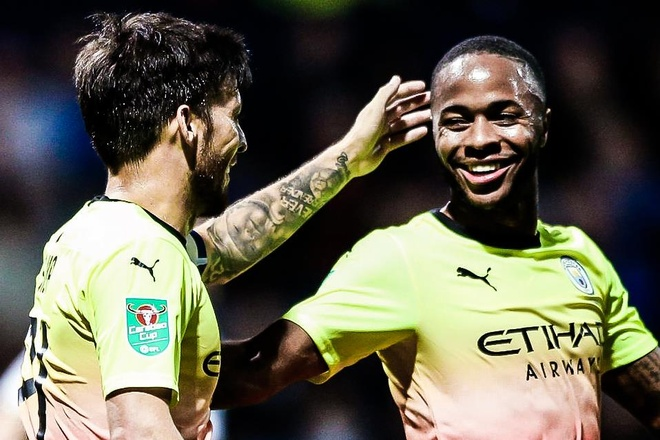 Sterling ghi ban giup Man City thang dam o League Cup hinh anh