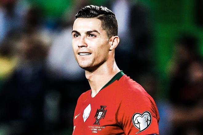 Ban thang thu 700 trong su nghiep cua Ronaldo hinh anh