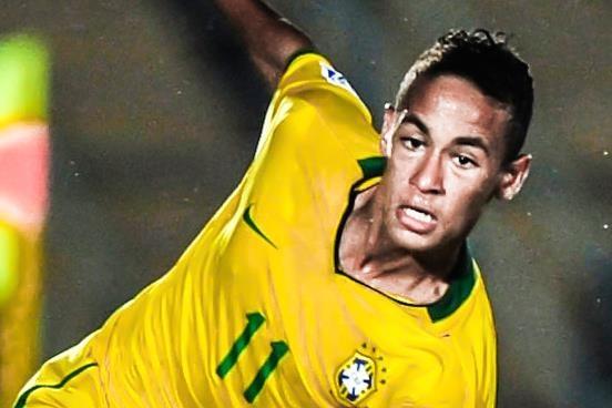 Tron 10 nam Neymar duoc so sanh voi Pele hinh anh
