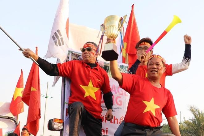 Truc tiep: CDV don doan the thao Viet Nam o san bay Noi Bai hinh anh