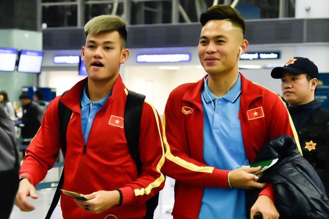 U23 Viet Nam len duong sang Han Quoc hinh anh