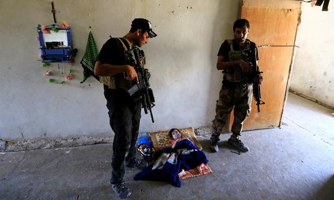 'Tre em IS': Nhung nan nhan bi ket an oan uc hinh anh
