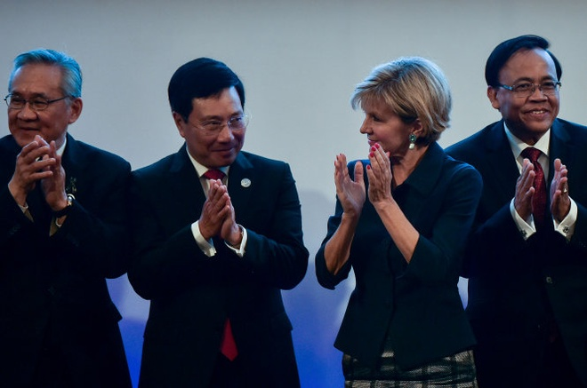 Ngoai truong Viet - Trung gap go ben le hoi nghi ASEAN hinh anh