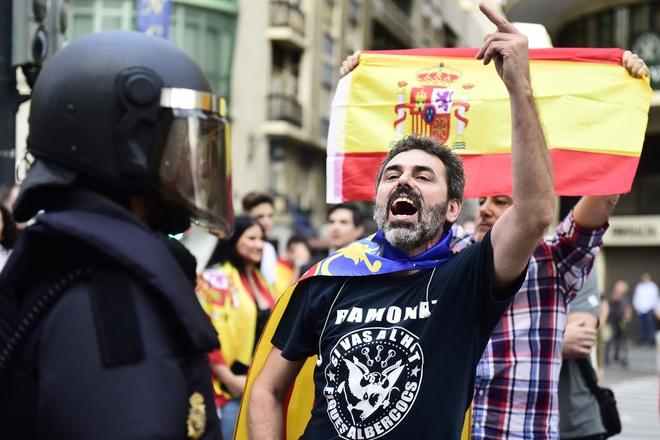 Tuyen bo doc lap: Lanh dao Catalonia tien thoai luong nan hinh anh
