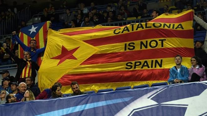 Tay Ban Nha keu goi bau cu de giai quyet khung hoang Catalonia hinh anh