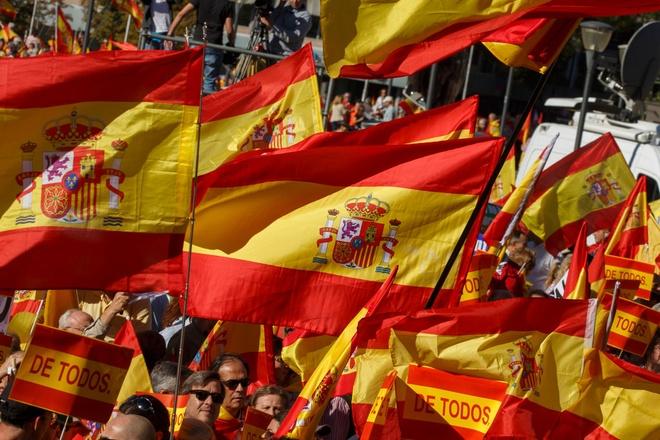 Phu ta cuu Thu hien Catalonia noi Puigdemont 'van la thu hien' hinh anh 2