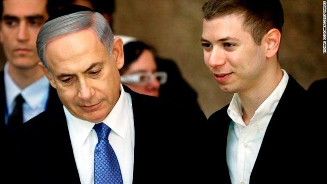 Con trai thu tuong Israel gap hoa vi scandal o cau lac bo thoat y hinh anh 1