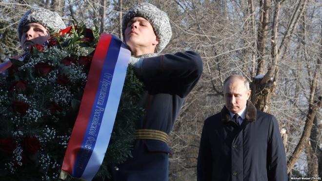 Tong thong Putin du ky niem 75 nam tran Stalingrad huyen thoai hinh anh