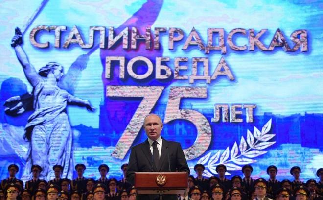 Tong thong Putin du ky niem 75 nam tran Stalingrad huyen thoai hinh anh 4